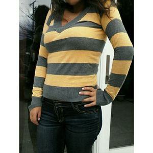FINAL CHANCE - CLEARANCE Stripped V Neck Sweater