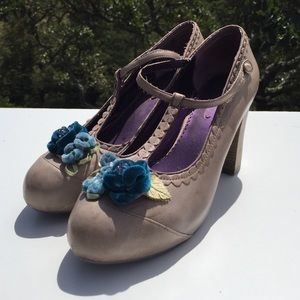 Poetic License Shoes - Poetic License London Calling Blue Floral Heels 10