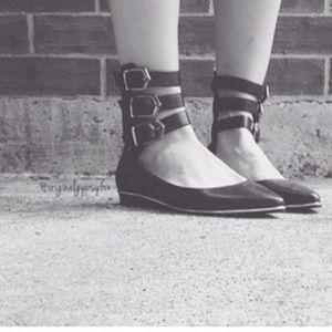 SCHUTZ Shoes - SALE🌹NWT Edgy Schutz Flats
