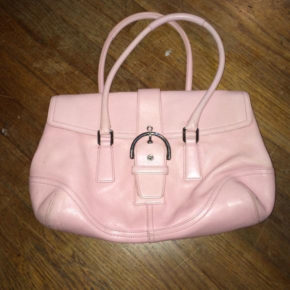 64 off coach handbags light pink coach leather purse. Black Bedroom Furniture Sets. Home Design Ideas