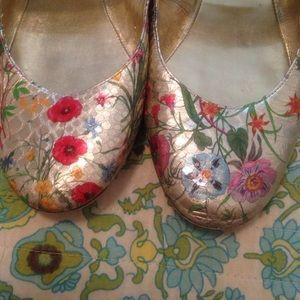SALE 🌷 Dune London shoes gold floral flats
