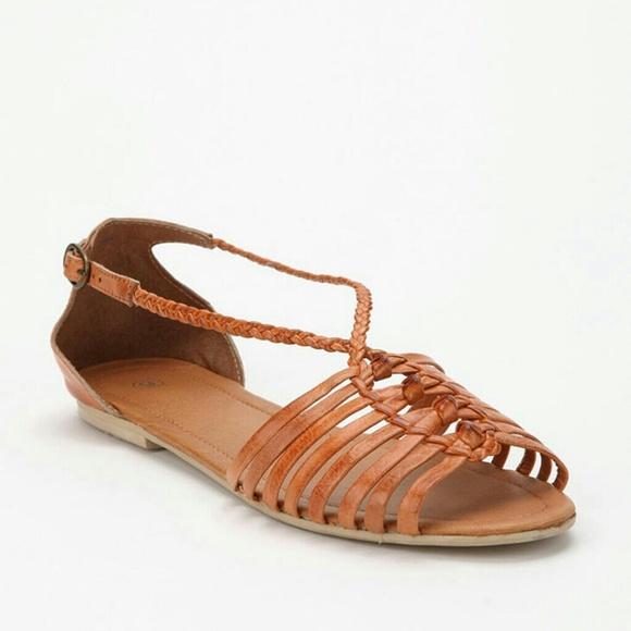3c88e3a6c3b1 Urban outfitters ecote huarache sandals. M 556a321b4225be6b6f00a2d7