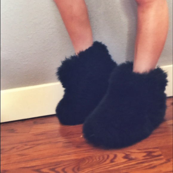 63 Off Ugg Boots 💋sold💋 Black Ugg Fluff Momma Boots 8