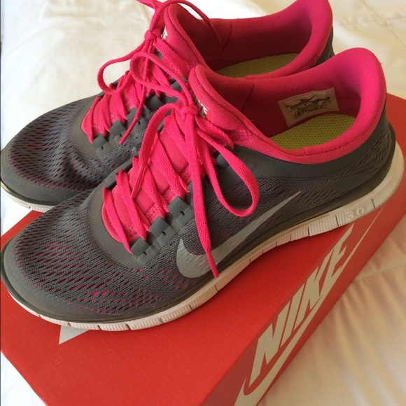 Nike Shoes - Nike Free Run 3.0 Women s Grey Pink 9.5 80997075296e