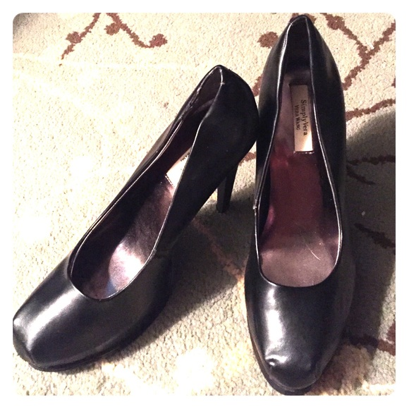 Used (normal wear), Simply Vera; Vera Wang Women's shoes. Make an offer!