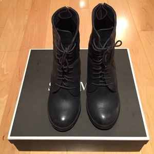 Shoemint Suki Navy Ankle Booties
