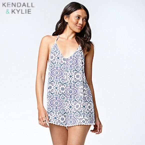 8619b146bd763 M_556b433f6e3ec2499500ddae. Other Dresses you may like. Kendall & Kylie  Lace dress