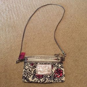 Coach Handbags - Coach Poppy small cross body purse.