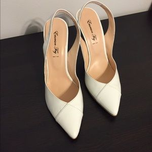 Emerson Fry Patent Leather White sling back pumps!