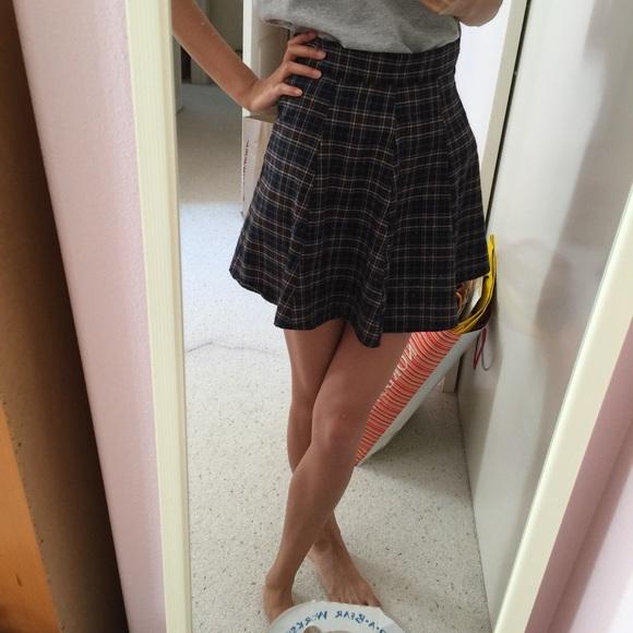 Brandy Melville Skirts - Brandy Melville plaid Skirt