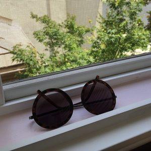Nordstrom Accessories - 🚫SOLD 🚫Round sunnies 😎