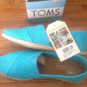 TOMS Classic Freetown Flats in Tourquoise