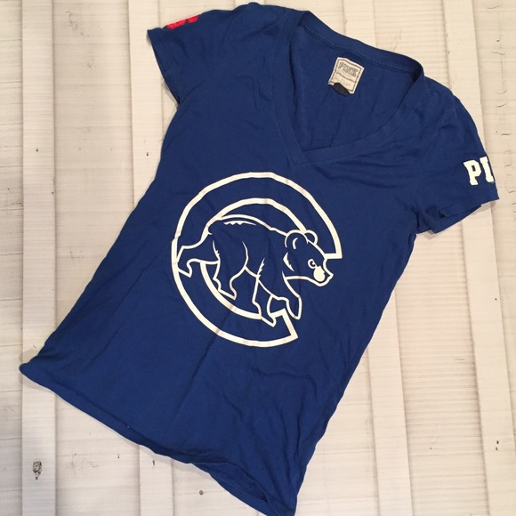 new style def67 d47ab VS PINK Chicago Cubs shirt
