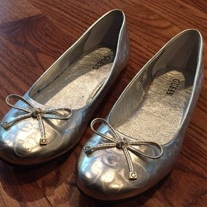 Silver Guess flats
