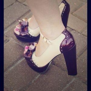 Shoe Dazzle Shoes - Peep-toe Spectator Style Pumps