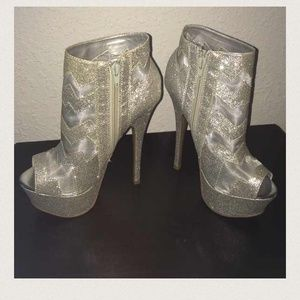 ALBA Shoes - Sparkly booties
