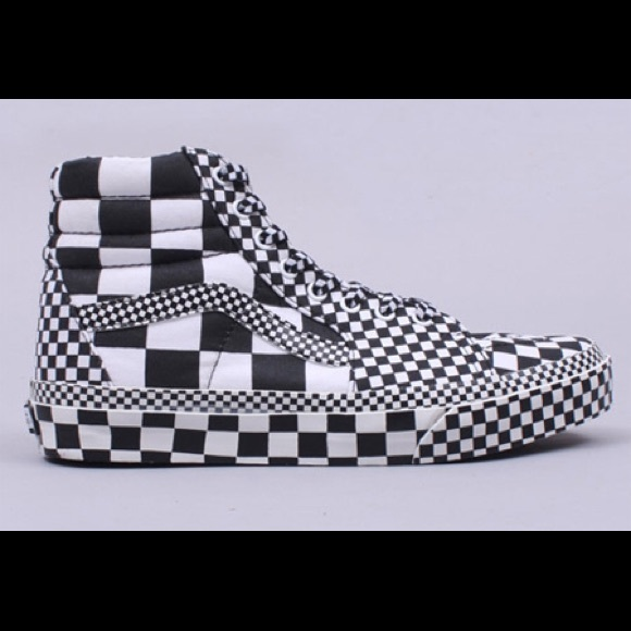 2d23f90d11 ... checkered high top vans. M 556ba715a722651d41010364