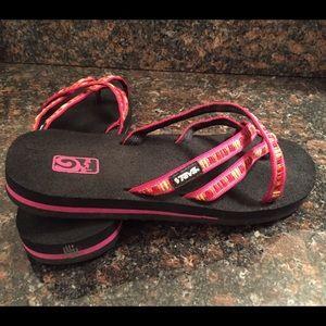 eb5eb08bf Teva Shoes - Teva Raina Pink Mush sandals sz 7