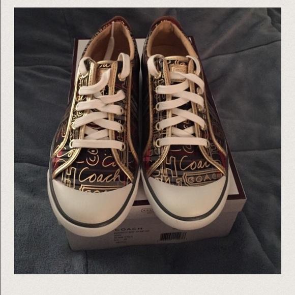 7a2abfa1795 Coach Poppy Graffiti sneakers