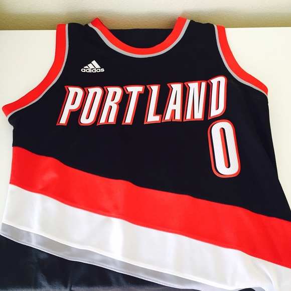 buy popular b25f7 54a21 Blazers Damian Lillard jersey!