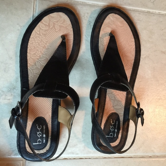 d1013fccc5ad2 NWT BOC Born Concept Black tan Thong Sandals
