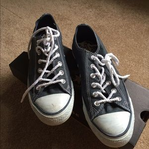 How To Clean White Shoe Strings