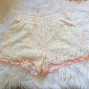 Other - Cream lace scalloped shorts