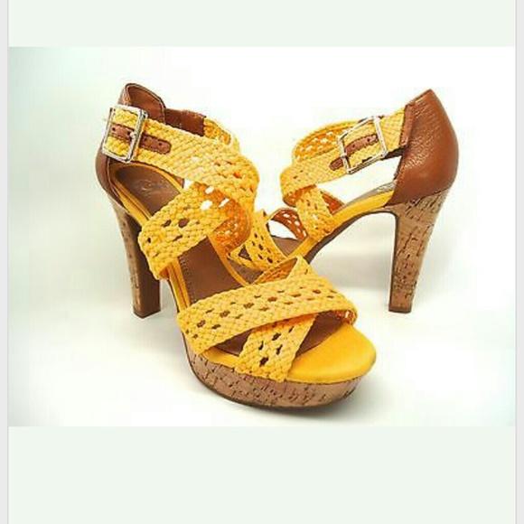 deef76dee55 Gianni Bini high heel Sandal 6.5