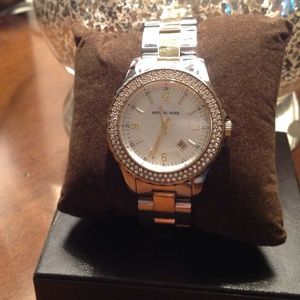 Michael kors  watch... Reduced!!!!