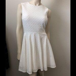 DVF Diane von Furstenberg White Jeannie Dress sz 0