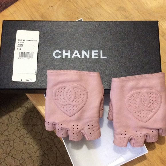 28% off CHANEL Accessories - Chanel fingerless leather ...