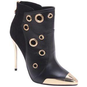 Super Cute Black Booties...