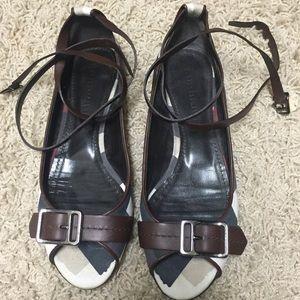 Burberry peep toe flats