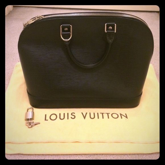 Louis Vuitton Handbags - Authentic Louis Vuitton Alma Epi PM handbag