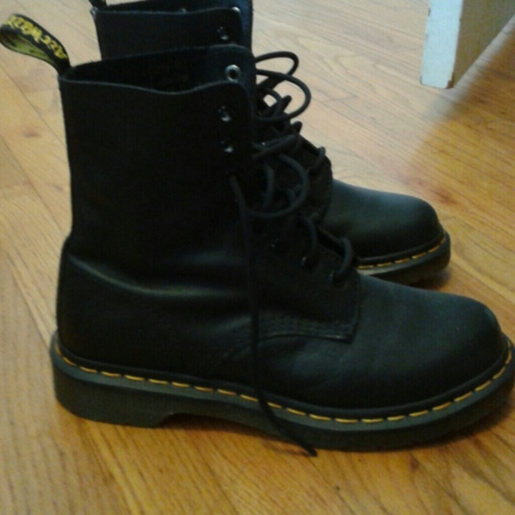 20 dr martens boots black doc marten boots from