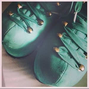 Unif Teal Hellbounds