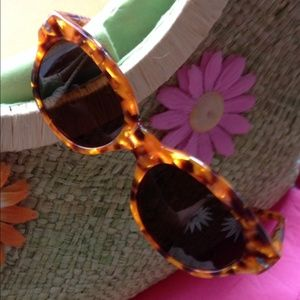Persol Accessories - Persol 830 Tortoise Shell Sunglasses 🌞