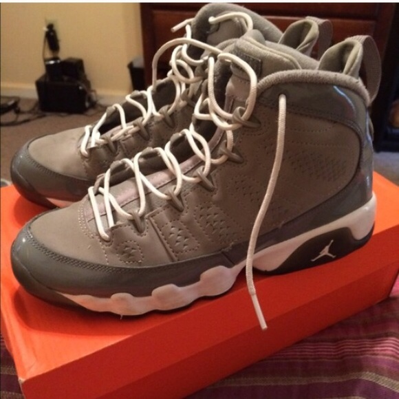 check out 3491f 8259d cool grey 9's size 5.5