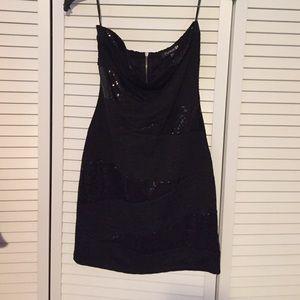 Size M dress.