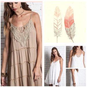 Dresses & Skirts - NWT 🌸 Taupe Sleeveless Lace Tank Dress