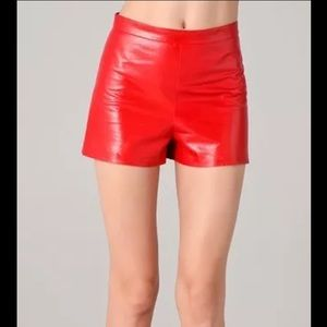 ALICE +OLIVIA SIZE 0 RED LEATHER SHORTS NEVER WORN
