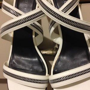 CHILIS Shoes - WHITE CHILIS STRAPPY Sandals  w/Zipper Detailing