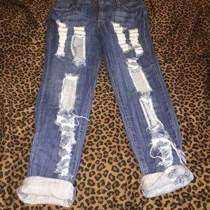 Destroyed denim jeans 