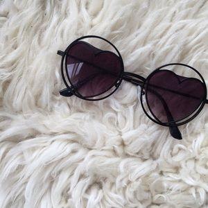 Heart circle 60s 70s sunglasses!