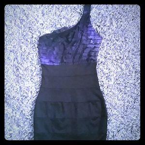 Dresses & Skirts - Asymmetrical dress