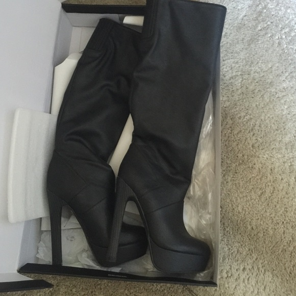 from Victoria secret nice!!!! Sexy boots like new 7 from Mireya ...
