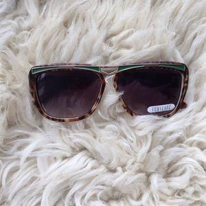 Oversized stunner sunglasses
