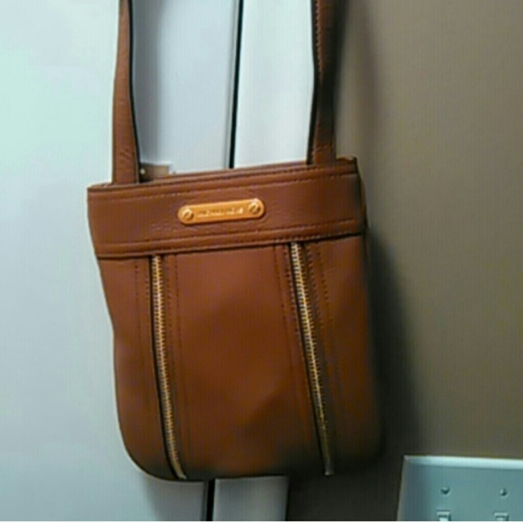 6a202af584997f Michael Kors Bags | Authentic Moxley Crossbody Large | Poshmark
