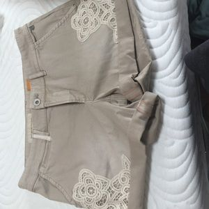 Anthropologie pilcro lace chino shorts 26