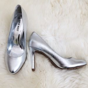 Nine West Shoes - Nine West silver pumps heels 6.5
